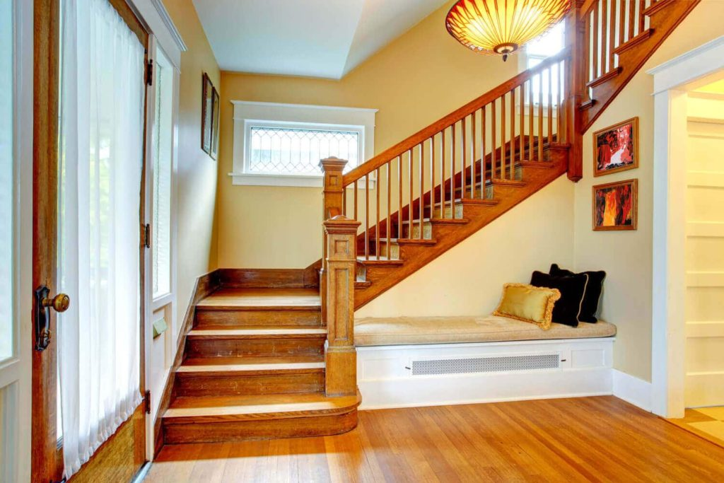 clutter free stairs
